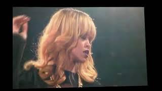 Rihanna - Diamonds World Tour - Live in Paris