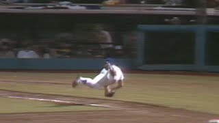 WS1981 Gm3: Ron Cey makes diving catch, turns two