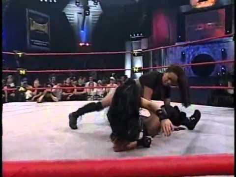 Luta Livre Traci vs Gail Kim; Wrestling Match