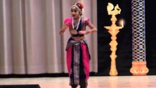 Anisha performing Bavamulona