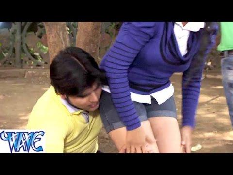 Xxx Mp4 HD तनी छुवे दs रानी Hukumat Bhojpuri Hit Comedy Sence From Movie 3gp Sex