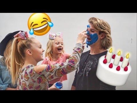 Xxx Mp4 CAKE BATTLE FOOD FIGHT WITH JOJO SIWA 3gp Sex