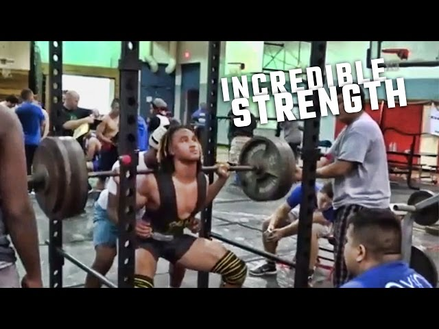 Alabama QB Jalen Hurts shows off incredible strength