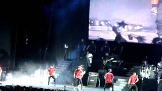 Justin Bieber Wanna Be Startin' Something(Michael Jackson)-Taiwan Taipei Concert Live