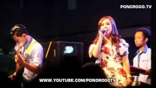 Linda DA3 - Baru Nyanyi 1 Lagu Udah Mau Tawuran, HUT Ke 50 MI Ma'arif Gandu Mlarak Ponorogo