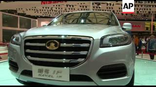 Chinese car makers buzzing in Shanghai
