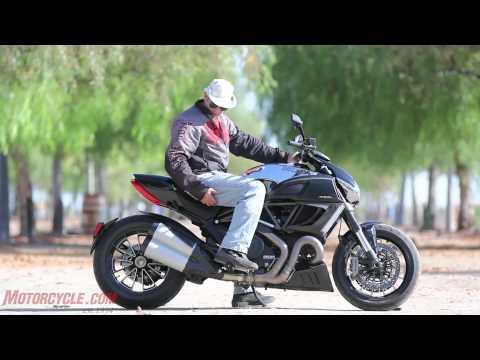 2012 Ducati Diavel Cromo vs Star VMAX Arm wrasslin among titans
