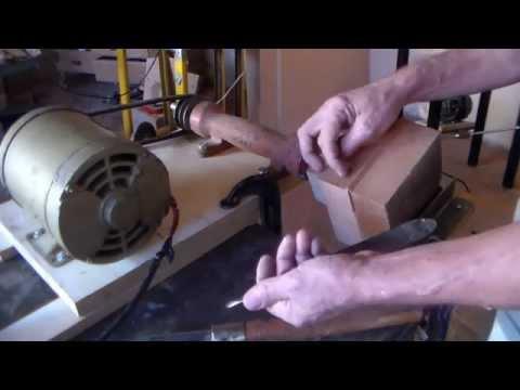 Trabalho de torno p madeiras feito de forma artesanal 1° parte de 2