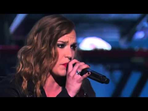 Download Lagu Lindsey Stirling & Lzzy Hale - Shatter Me - Live in America's Got Talent S09E13