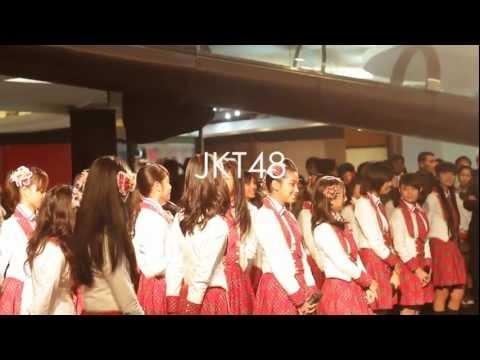 Veranda and Rena-san talk show JKT48 video launching f(x)