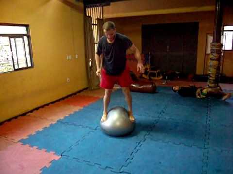 Guirado Treino de Habilidade na bola suiça p Jiu Jitsu Submission