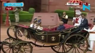 President Kovind takes a round of Rashtrapati Bhawan on 'Baggi'