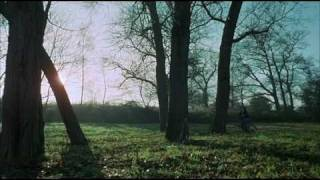Download Don't Look Now - Opening Scene 3Gp Mp4
