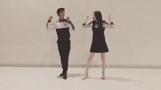 Apple Lapisara teaches August Vachiravit to dance Cheer up - Twice