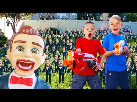 Toy Story 4 Benson Clones Himself Sneaky Fun Squad VS 100 Benson Toys