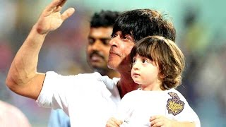 Shahrukh Khan with his son Abram at IPL 8 2015