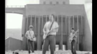 Minutemen - This Ain't No Picnic