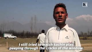 The Kashmiri cricketer who bats, bowls without arms