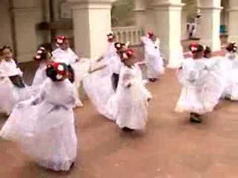 El Tilingolingo by Ballet Folklorico Tapatio