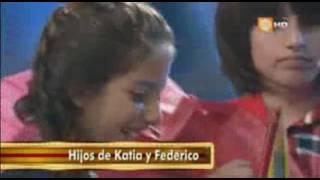 Katia Condos recibe sorpresa de sus hijos en Pequeños Gigantes