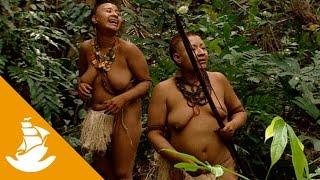 Akuntsu women hunting