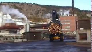 Komatsu wheel loader that carries logs to high places (High lift log grapple)