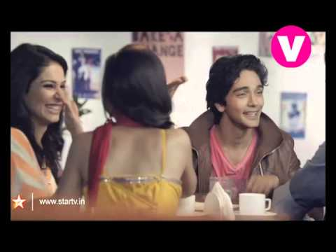 V Crazy Stupid Ishq - Anushka and Ishaan in a poetry showdown