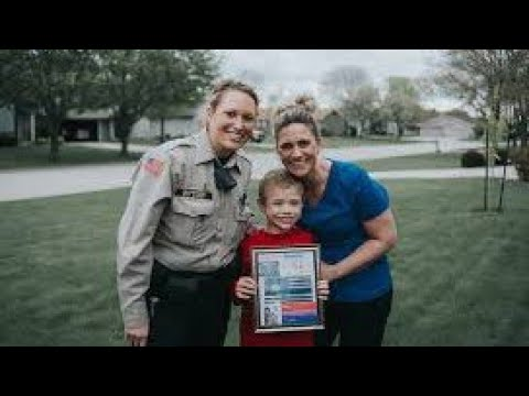 Xxx Mp4 Mom Posted A Plea About Her 8 Year Old Son Then A Cop Came To Her Door And She Broke Down In Tears 3gp Sex