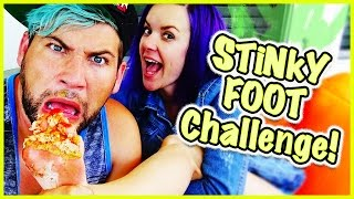 👣 STINKY FEET CHALLENGE!?! 👣 WHO'S FOOT STINKS THE MOST?!?! 👣 Parents Edition