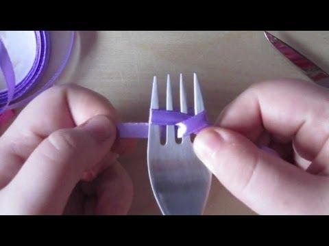 Como hacer un lazo con la ayuda de un tenedor.