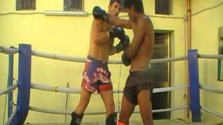 SAK KAOPONLEK & ALDO RODRIGUEZ NAVAS(1) 24.8.11 Kick Bull