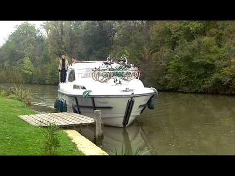 La Navigation sur le Canal des deux Mers Passer une ecluse