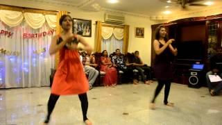 Pretiba & Navena - Bombay Ponnu & Chikni Chameli