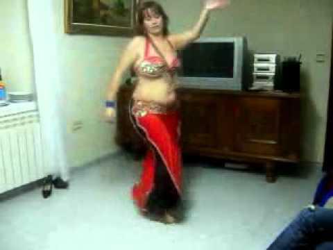 Fatty Arab belly dance but very sexy