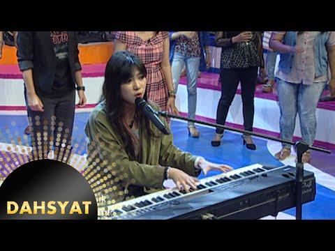 Si cantik bersuara merdu Isyana Sarasvati 'Keep Being You' [Dahsyat] [11 Nov 2015] Mp3