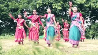 বেহুরে  লগন, মধুরে  লগন  আকাশে বাতাসে লাগিল রে-গানের অসাধারণ নাচ ২০১৬