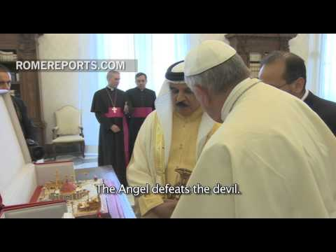 Xxx Mp4 King Of Bahrain Gives The Pope A Model Of The Largest Church In The Arab Peninsula 3gp Sex