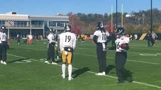 Steelers WRs JuJu Smith-Schuster and Martavis Bryant chat on the practice field