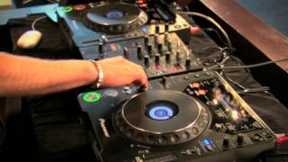 How to DJ Free Video Tutorial 2013 - Beatmatching Perfectly | DJ Master Course