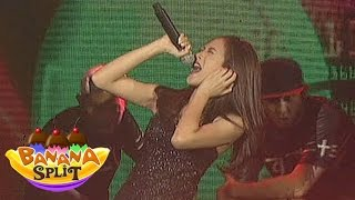 Alex Gonzaga performs