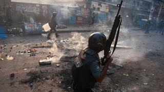 Dhaka police clash with Islamic activists