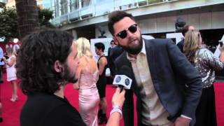Passenger on touring with Ed Sheeran, Busking at the red carpet at the ARIAs 2015