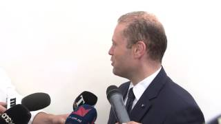 Il-Prim Ministru jgħid li għaddejjin diskussjonijiet ma' konsorzju għall-bejgħ tal-Air Malta