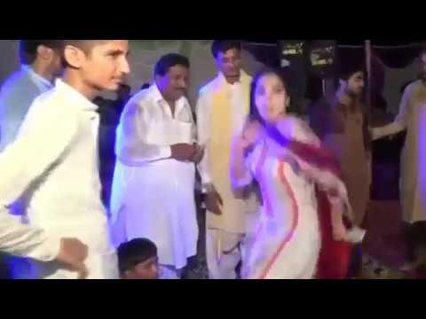 Xxx Mp4 Mehak Malik Ki Gand Me Ungli Hide Cutting Scene Of Song 3gp Sex