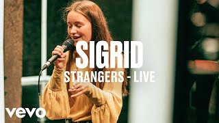 Sigrid - Strangers (Live) - dscvr Artists to Watch 2018