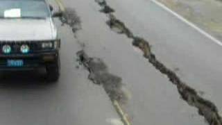 Effects of Peru's earthquake on the road to Pisco