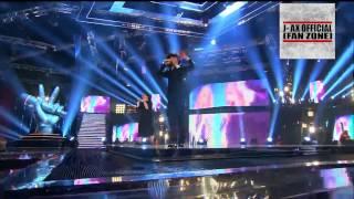 Suor Cristina e J-AX cantano