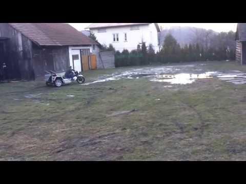 Trajka z silnikiem malucha Fiat 126p przód motocykl Honda