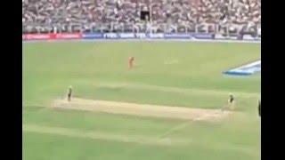 Ashok Dinda Bowling at Eden Gardens Kolkata - KKR vs. RCB IPL T20 Cricket Match