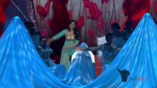 Parineeti Chopra 'Pareshaan' at the People's Choice Awards 2012! - Full Performance [HD]